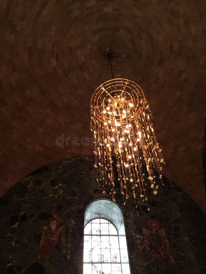Świecznik i sufit przy bazyliką Krajowa świątynia obrazy stock