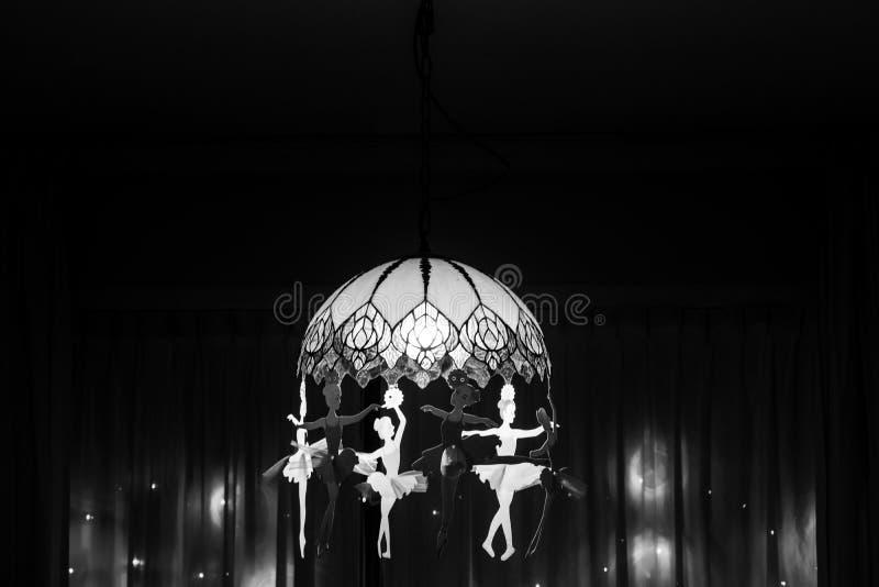 Świecznik w monochromu na Diwali festiwalu nocy royalty ilustracja