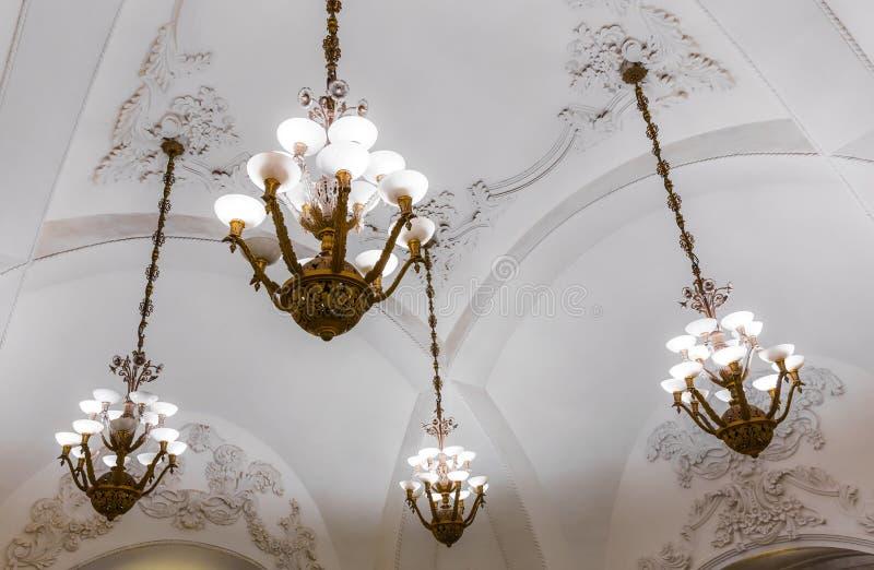 Świeczniki w Moskwa metrze obraz stock