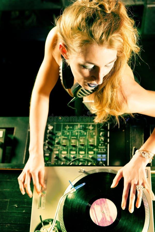 świetlicowy dj kobiety turntable obraz royalty free