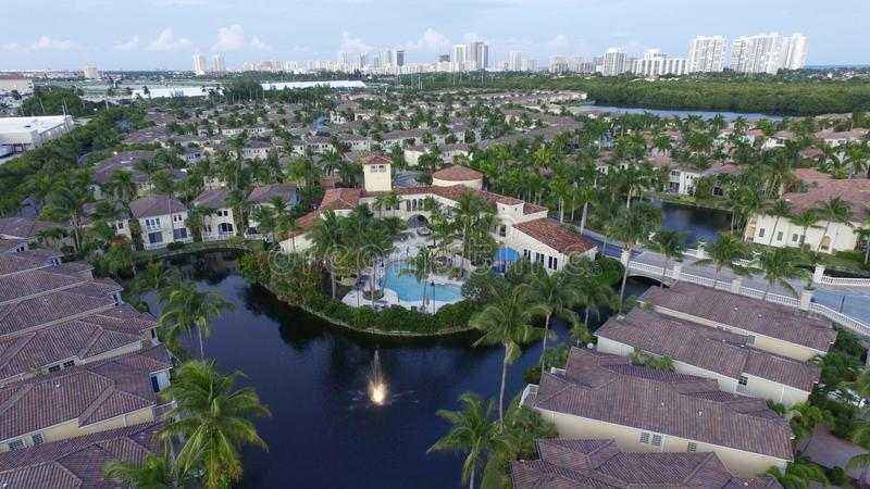 Świetlicowy dom zakazująca społeczność w Floryda obraz stock