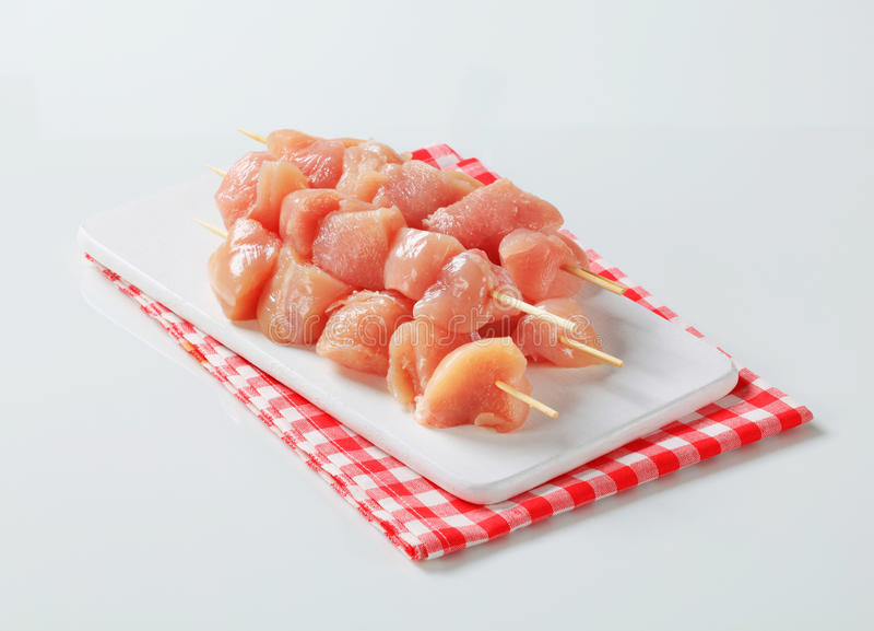 świezi kurczaków skewers zdjęcie royalty free