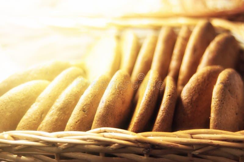 Świezi oatmeal ciastka w sklepie dla sprzedaży obraz stock