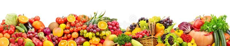 Świezi owoc i warzywo pożytecznie dla zdrowie odizolowywających na bielu obraz royalty free