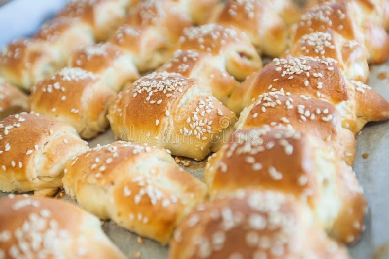 świezi piec croissants fotografia stock