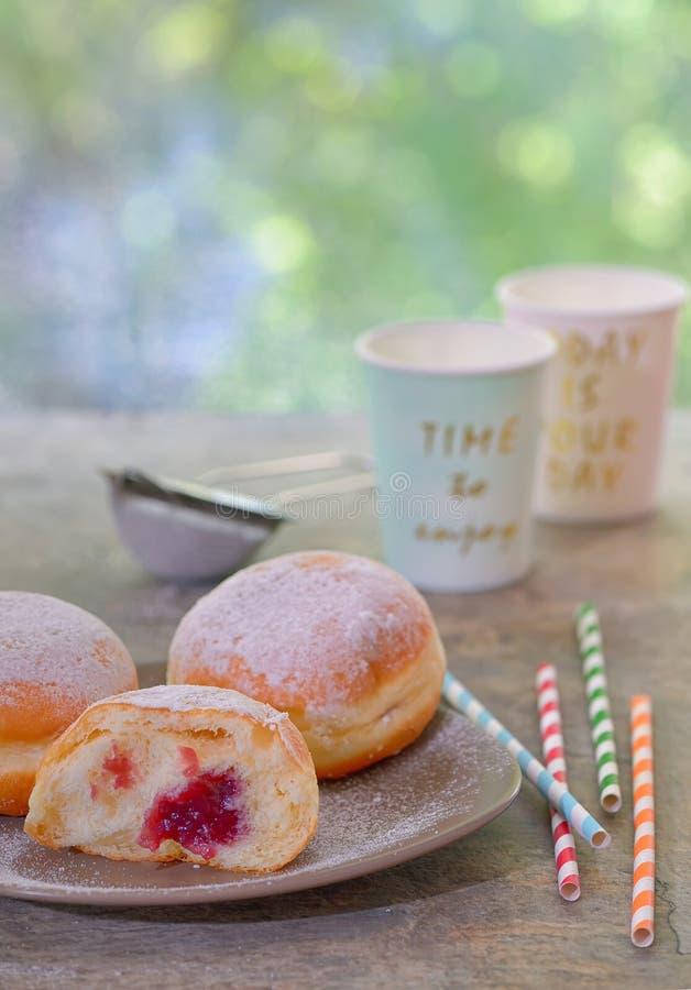 Świezi smakowici donuts fotografia stock