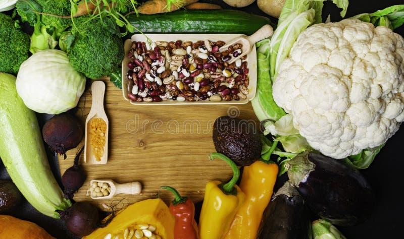 Świezi warzywa i fasole Foods wysocy w włóknie, anthocyanins, przeciwutleniaczach, mądrze węglowodanach, kopalinach i witaminach, obrazy stock