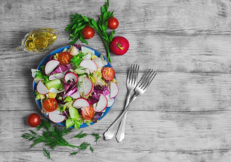 Świezi warzywa sałatkowi zdjęcie royalty free