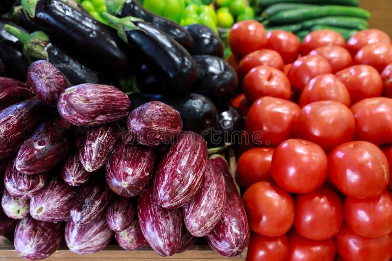 Świezi warzywa w greckim sklepu spożywczego sklepie fotografia stock