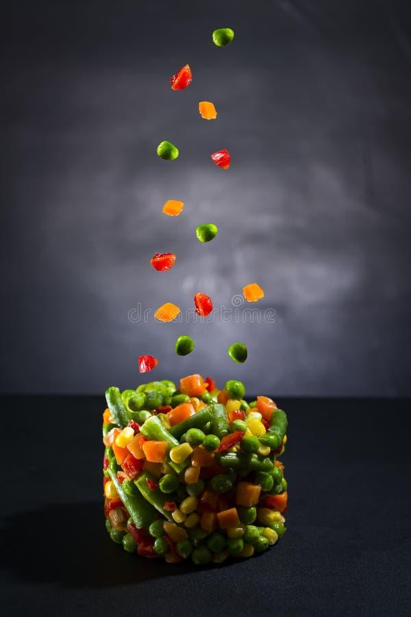 świezi warzywa w powietrzu obrazy stock