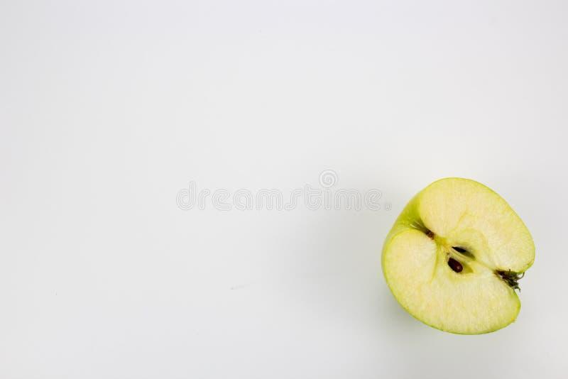 Świezi zdrowi jabłka na stole fotografia stock