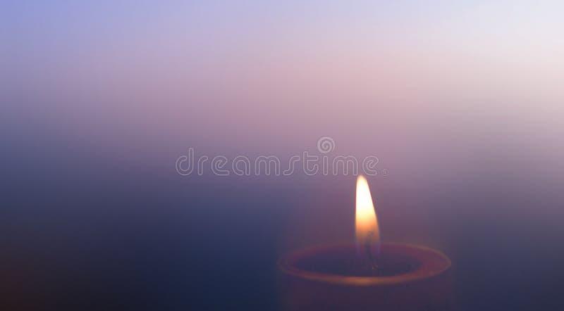 ŠMany καίγοντας κεριά Dayconceptï ¼ παγκόσμιας θρησκείας με το ρηχό βάθος του τομέα στοκ φωτογραφίες με δικαίωμα ελεύθερης χρήσης