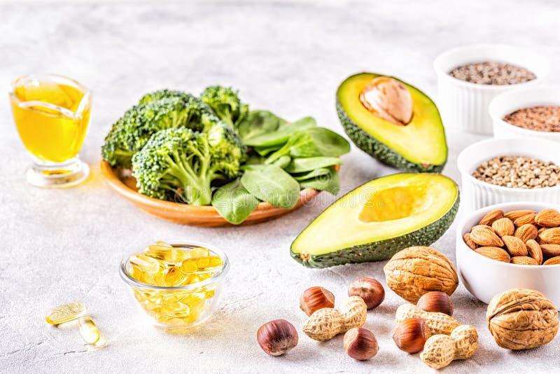 Źródła wegańskie omega 3 i tłuszcze nienasycone zdjęcia royalty free