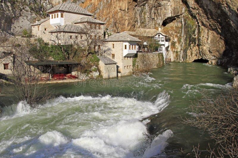 Źródło Buna rzeka w mieście Blagaj zdjęcia royalty free