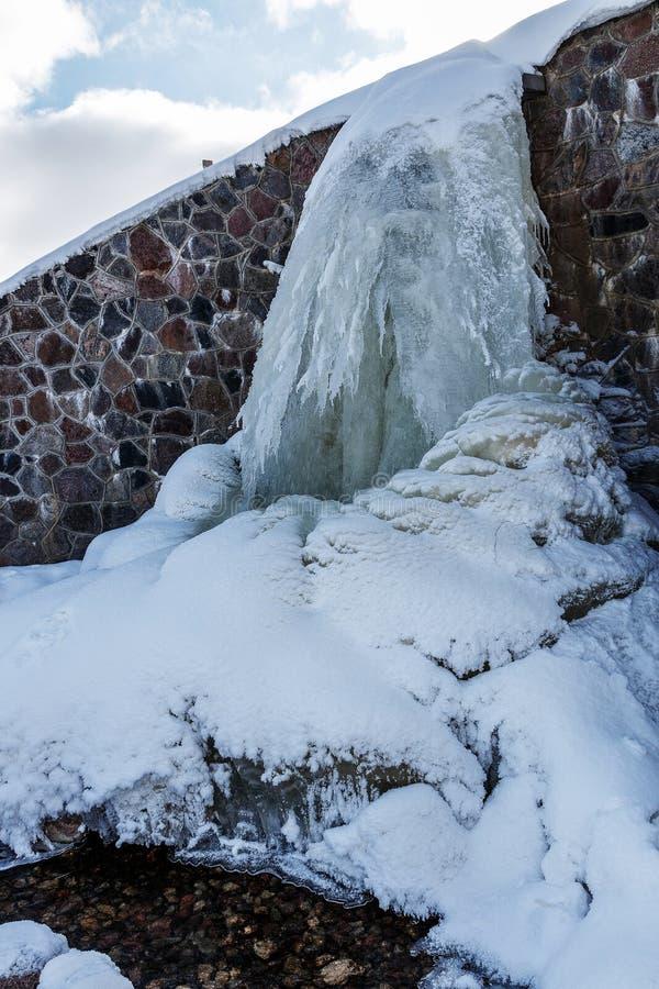 Źródło Latvia Batas źródło Marznący, Piękny, Zimny zima dzień, obrazy royalty free