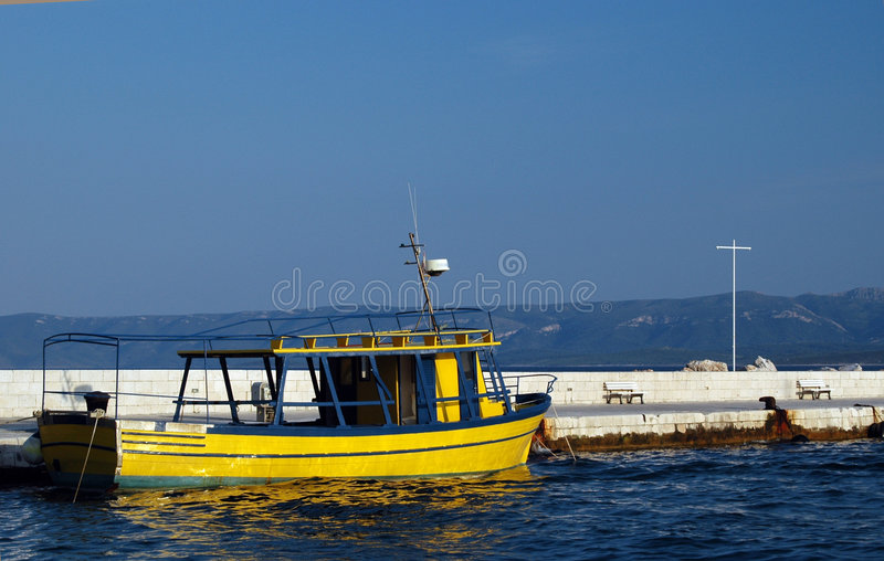 Żółta łódź fotografia stock