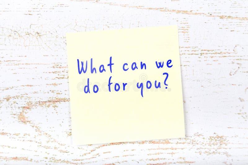 Żółta kleista notatka z ręcznie pisany tekstem co może robić dla ciebie my ilustracji