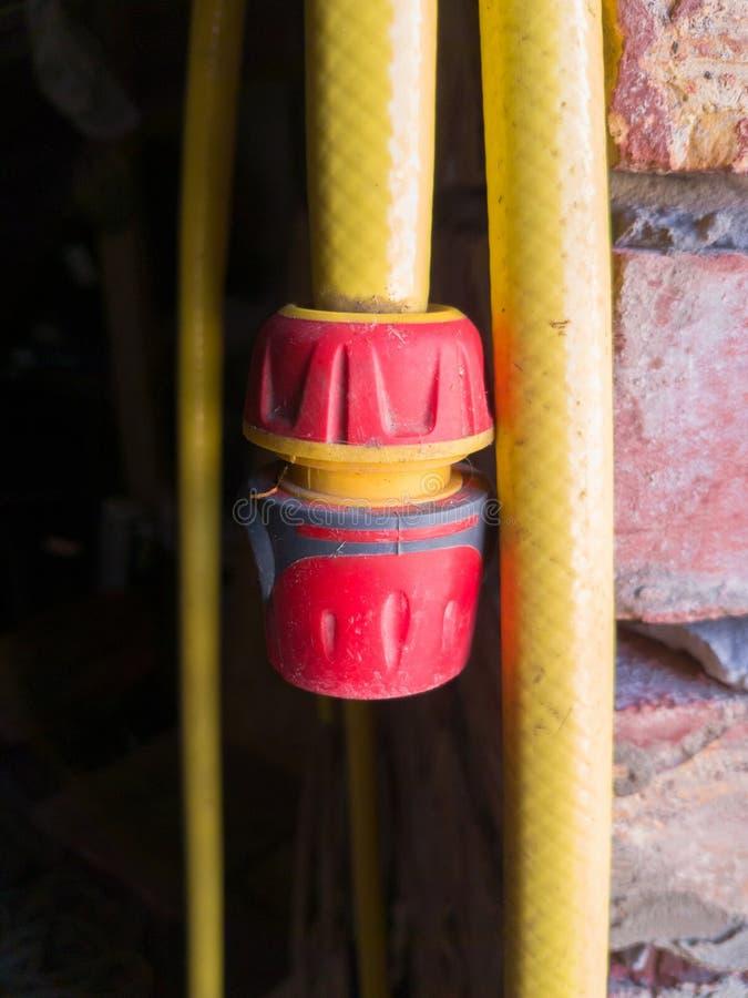 Żółta klingeryt drymba z dopasowaniem obraz stock