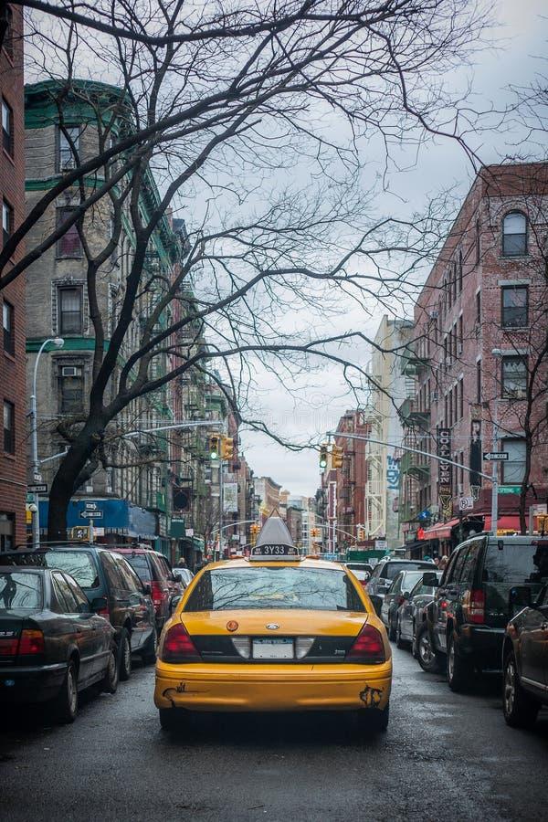 Żółta taxi taksówka na ulicie Miasto Nowy Jork fotografia stock
