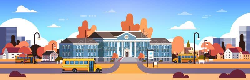 Żółty autobus przed jesień budynku szkoły jarda uczniami odtransportowywa pojęcie 1 Września pejzażu miejskiego tła sztandaru mie royalty ilustracja