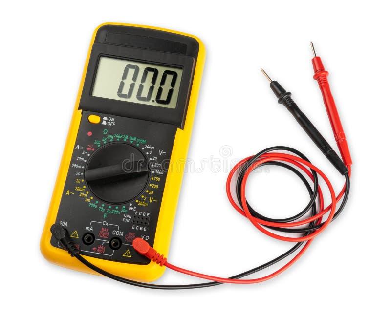 Żółty cyfrowego multimeter pomiaru przyrządu elektroniczny narzędzie z czerwienią i czernią depeszuje odosobnionego białego tło i obraz royalty free