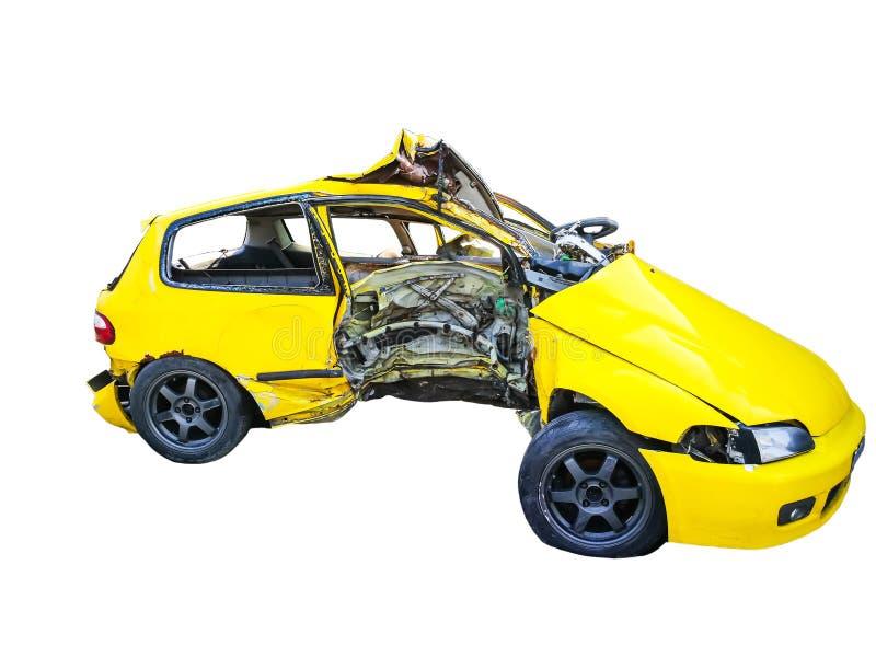 Żółty ogromny uszkadzający wypadek samochodowy odizolowywający na białym tle obrazy stock