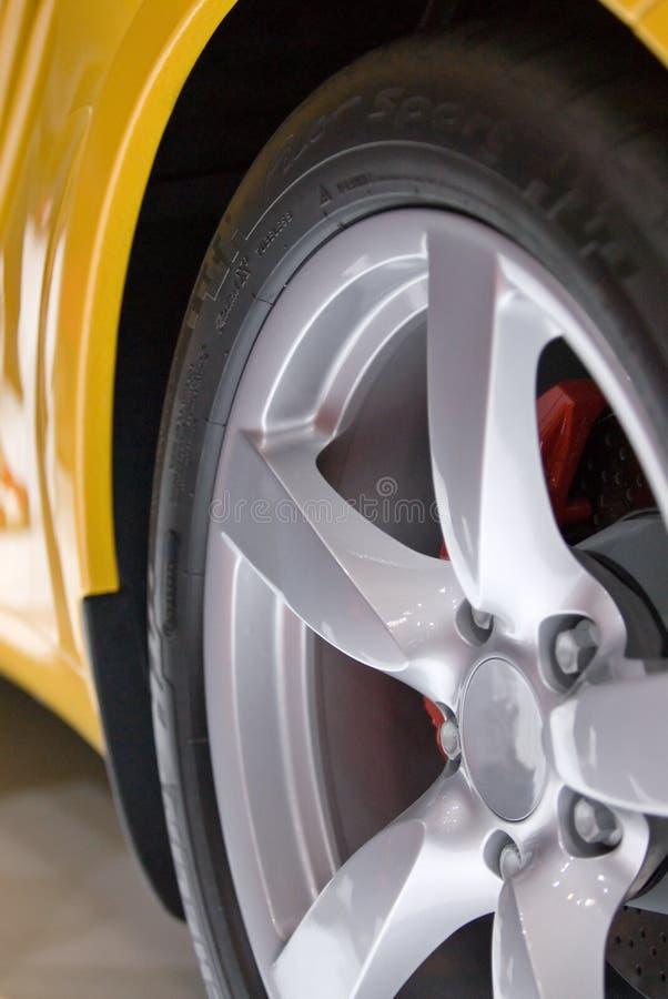 Żółty samochód sportowy obrazy stock