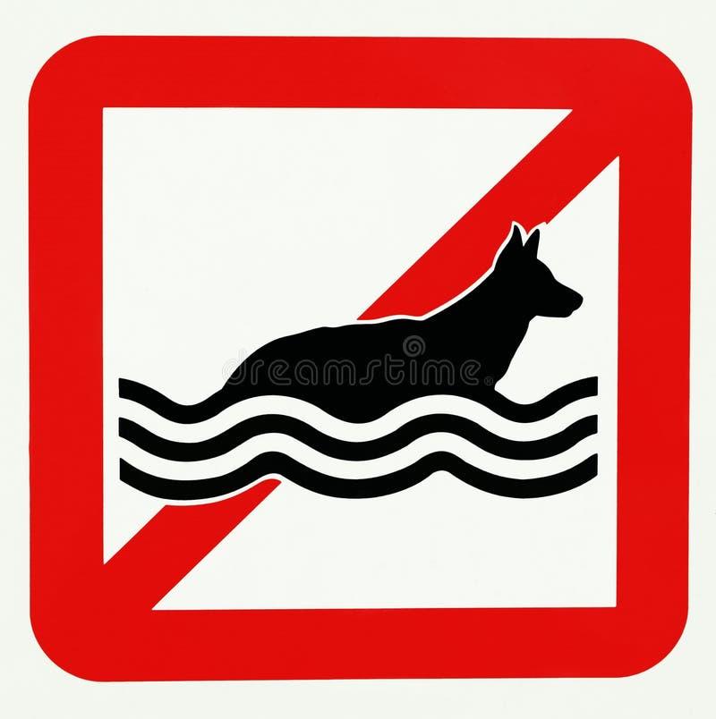 Żadny psy pozwolić w wodzie ?adny dop?yni?cie zakaz kultywacja brygadowa p?on?ca gasi po?arniczych stra?ak?w otwartego prohibici  royalty ilustracja