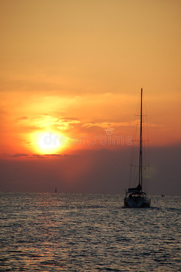 żaglówki rejsów wschód słońca fotografia royalty free
