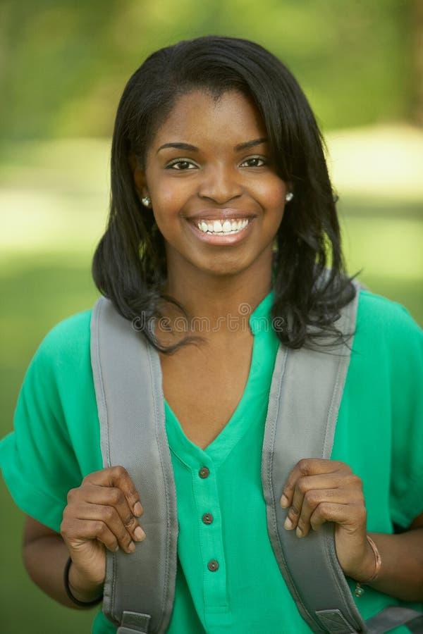 Żeński Amerykanin afrykańskiego pochodzenia uczeń obrazy stock