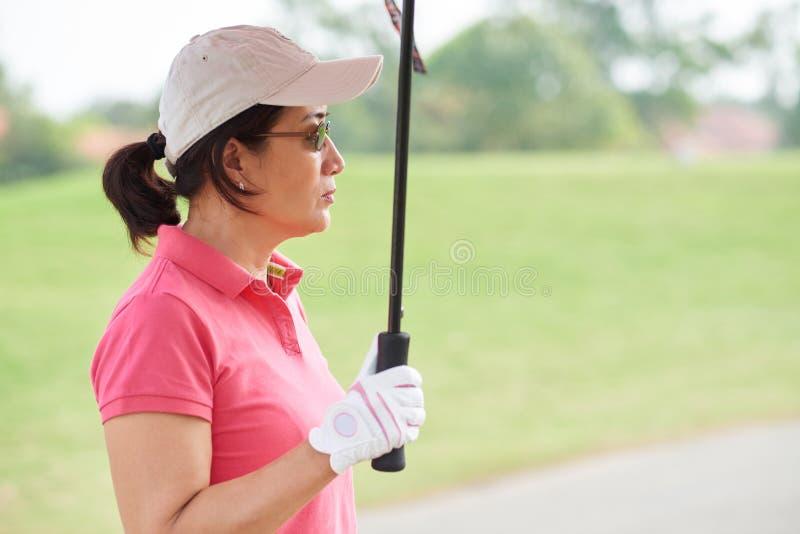 Żeński golfowy gracz obraz stock