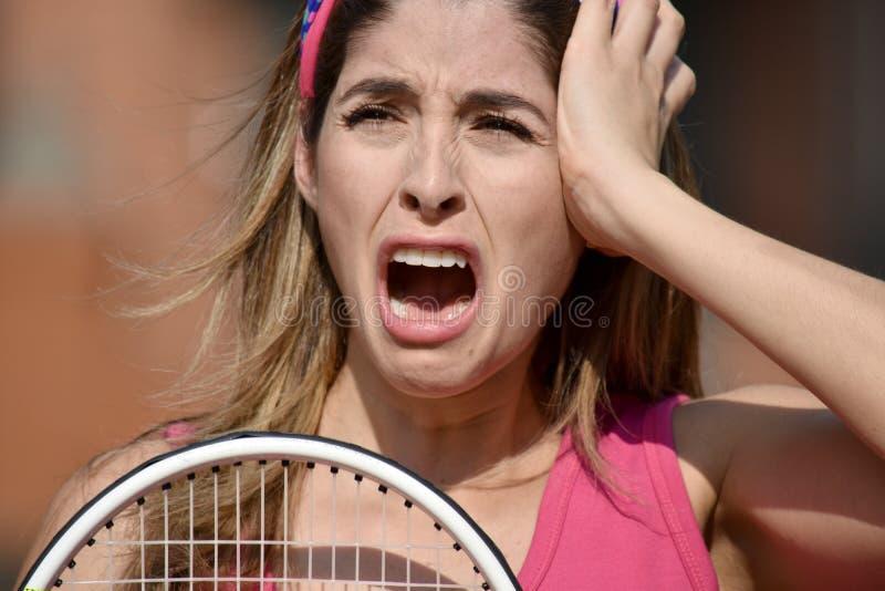 Żeński gracz w tenisa I niepokój Jest ubranym Sportswear zdjęcie stock