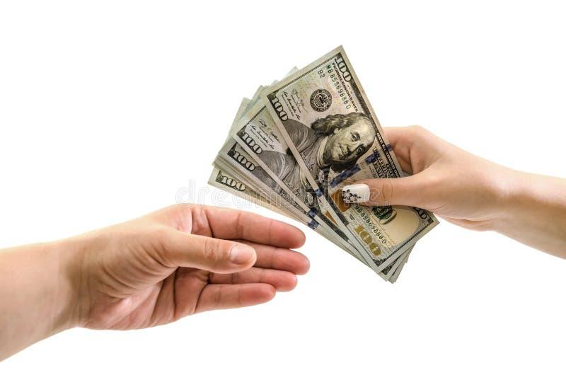 Żeńskie ręki przechodzą dolary na białym tle Zako?czenie 100 dolarowych rachunków w rękach obrazy royalty free