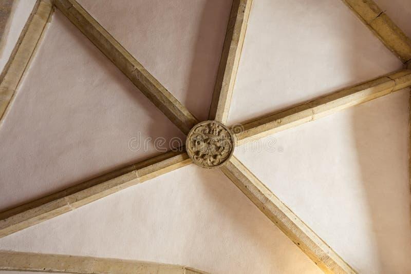 Żebrujący krypty centrum w surowych komórkach klasztor Chrystus uroczysty dormitorium obraz royalty free