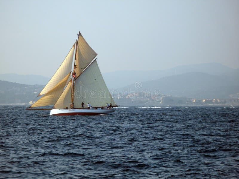 żeglowanie klasyczny jacht zdjęcie stock