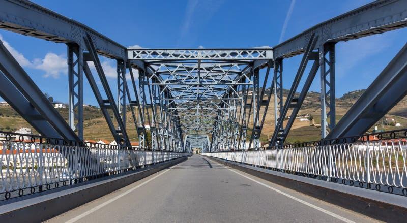Żelazny most w Pinhao, Duoro dolina, Portugalia fotografia royalty free