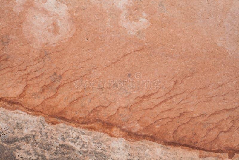 Żelazo w piaskowu zaznacza warstwy nawarstwianie z różnymi cieniami czerwień obrazy royalty free
