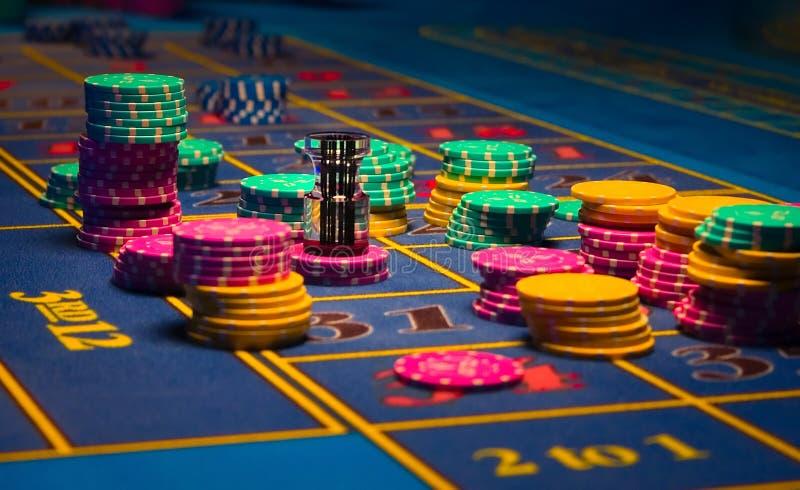 Żetony hazard stół zdjęcia stock