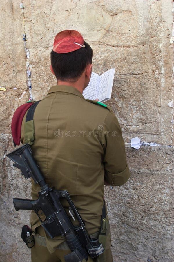 żołnierz modlitwa fotografia royalty free