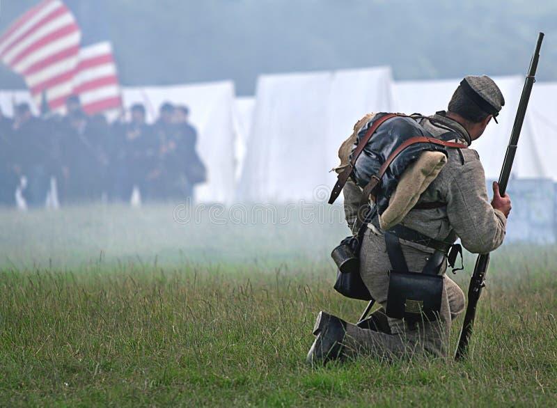 żołnierz sam obraz stock