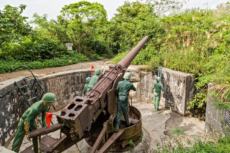 Żołnierza Indochina działa Wojenny fort, kotów półdupki, Wietnam artylerii pistolet zdjęcia stock