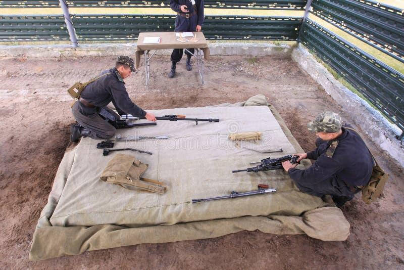 Download żołnierze zdjęcie stock editorial. Obraz złożonej z ląg - 13327868