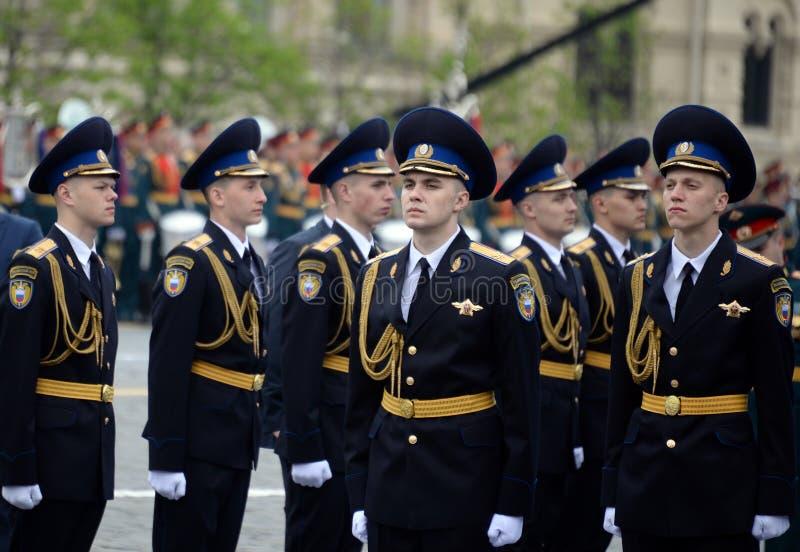 Żołnierze prezydencki pułk przy próbą militarna parada na placu czerwonym w Moskwa obraz royalty free