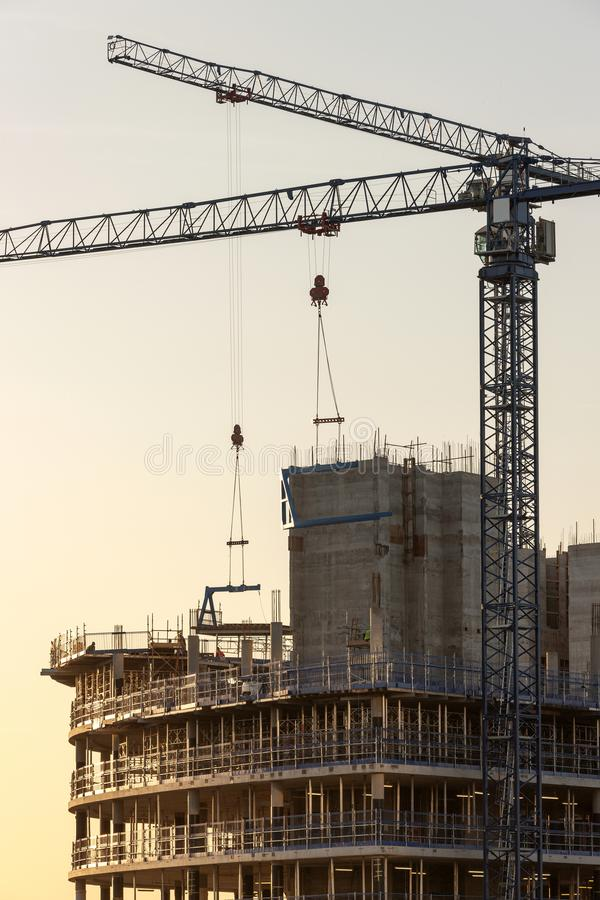 Żurawie budowlane - Manchester w Wielkiej Brytanii zdjęcia stock