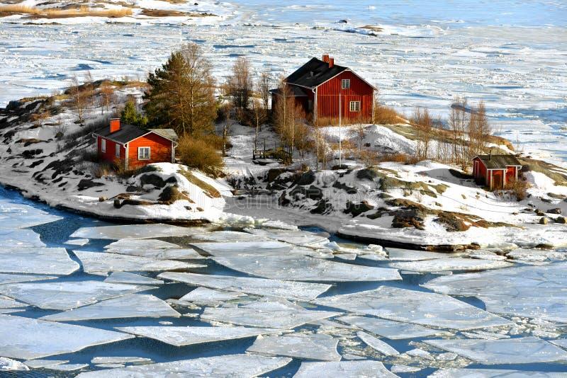 Życie na wyspach Ryssansaari wyspa w Helsinki archipelagu, Finlandia maszerujący obraz royalty free