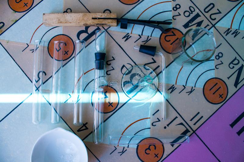 Życie substancji chemicznej laboranckie kolby i próbne tubki fotografia stock