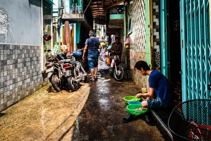 Życie w backstreet, Saigon, południe Wietnam zdjęcie stock