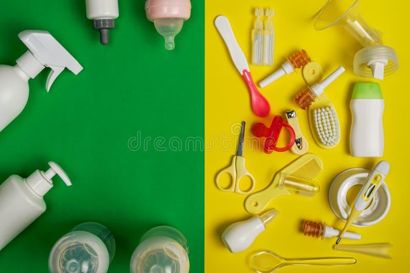 Żywieniowi akcesoria i prysznic gel, z kopii przestrzenią obraz royalty free
