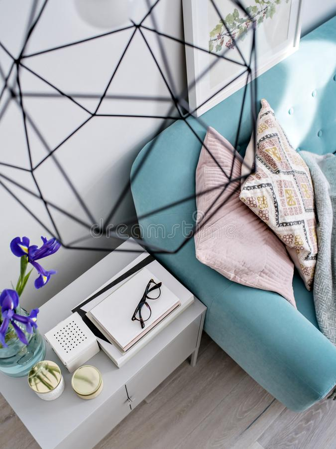żywy minimalny pokój zdjęcia stock