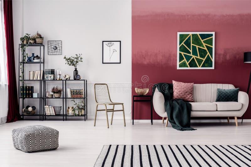 Żywy pokój dla kobiety obrazy royalty free